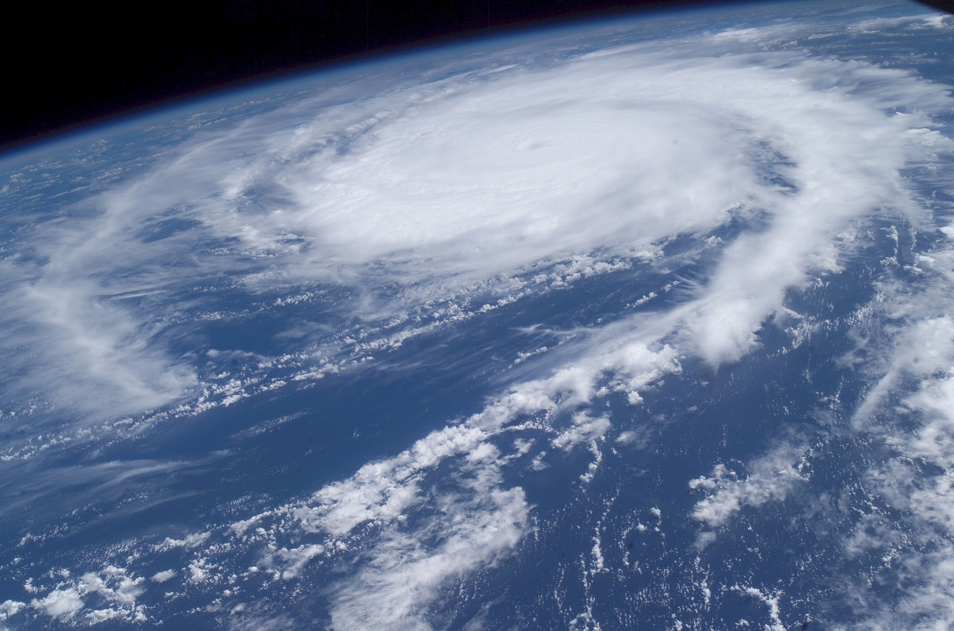 photo-of-hurricane-from-satellite